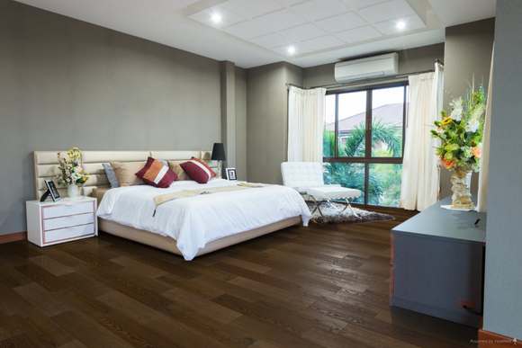 Brushed Fumed Dark Walnut Oak Flooring with UV Oil Finish | TW-E652