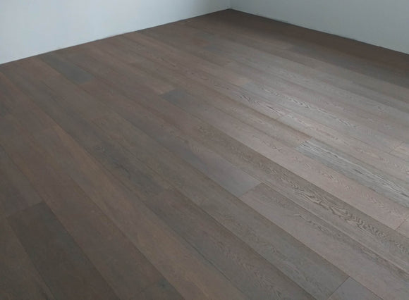 Engineered Brushed Fumed White Oiled Oak | E153