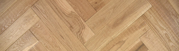 Natural Band Sawn Oak Herringbone Parquet Flooring UV Oiled | TW-E981