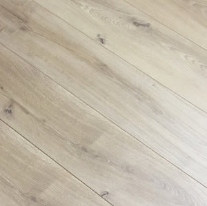 D9337 | Fumed White Driftwood Laminate Flooring AC4