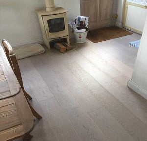 E222 | White Mixed Grade Oak Flooring Lacquered