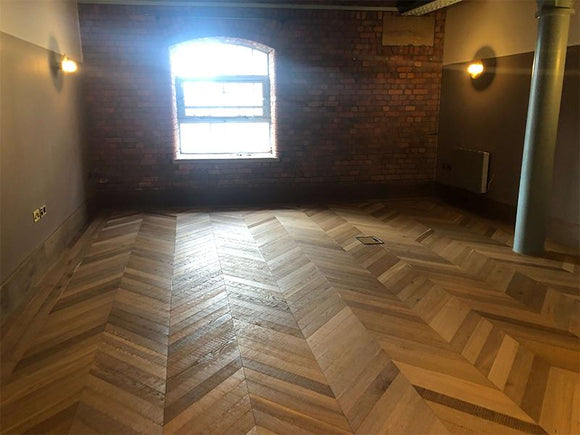Fumed Antique Chevron Parquet Band Sawn Finish Wood Flooring | TW-E962