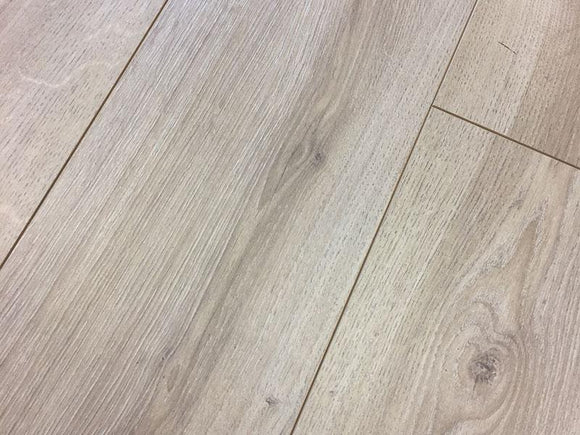Fumed White Driftwood Laminate Flooring AC4 | D9337