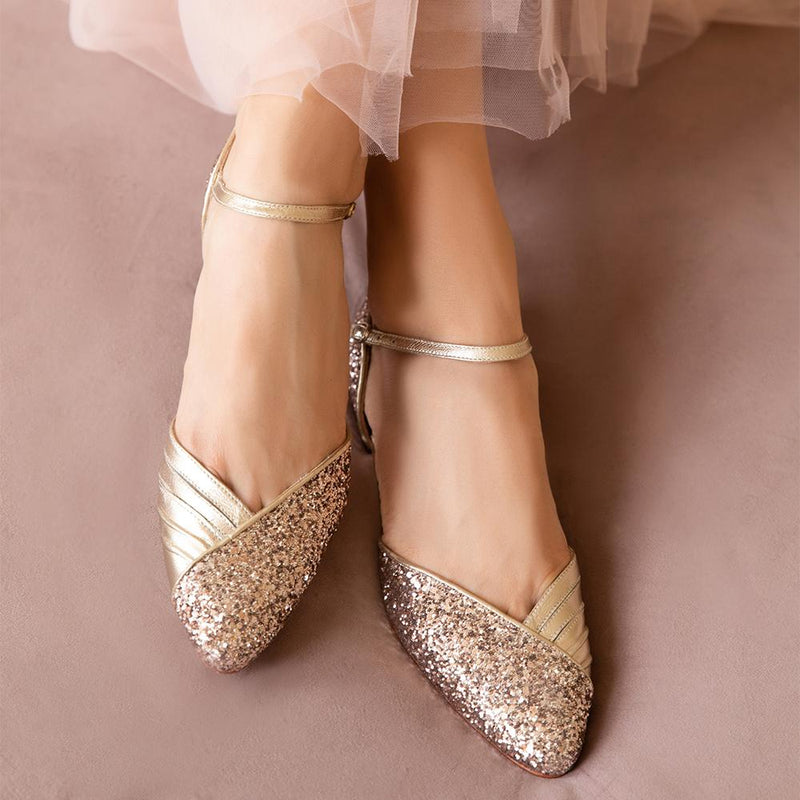 Looking for flat wedding shoes? We've got you covered