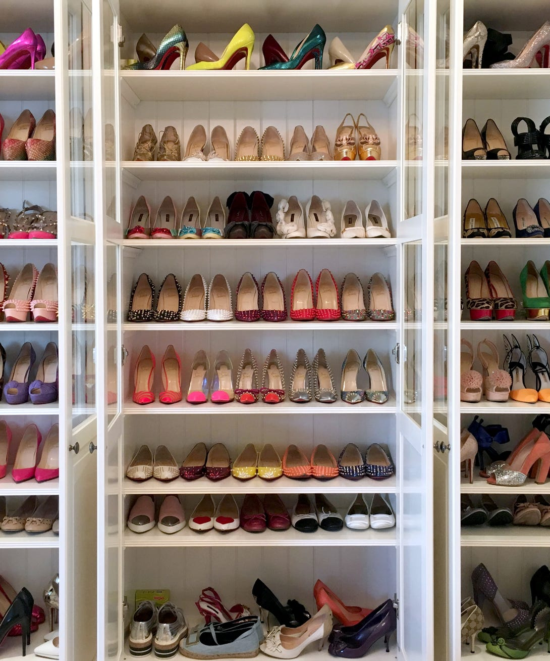Shoe closet photo