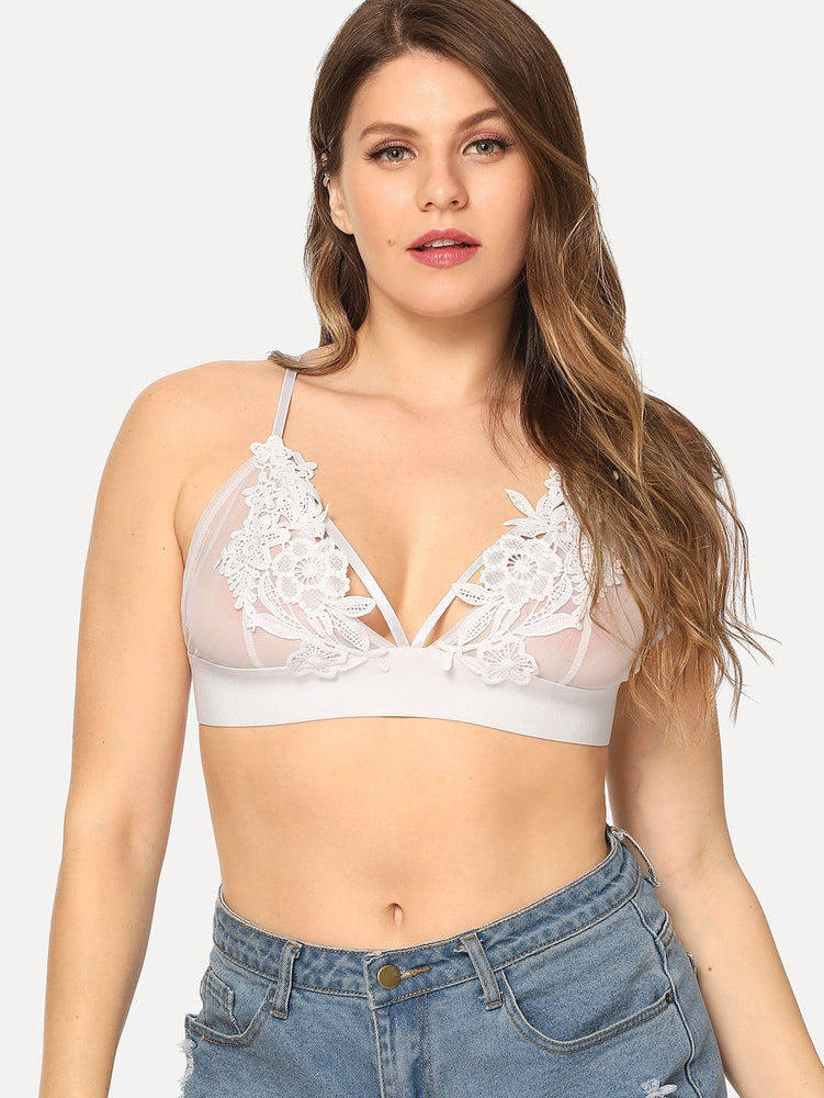 Plus Strappy Floral Lace Bralette