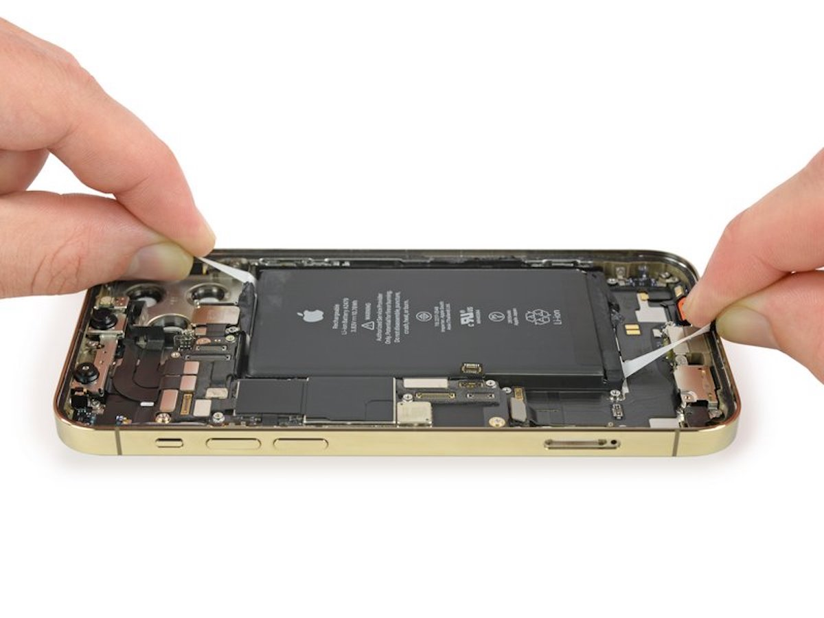 iphone-12-battery-removal-process