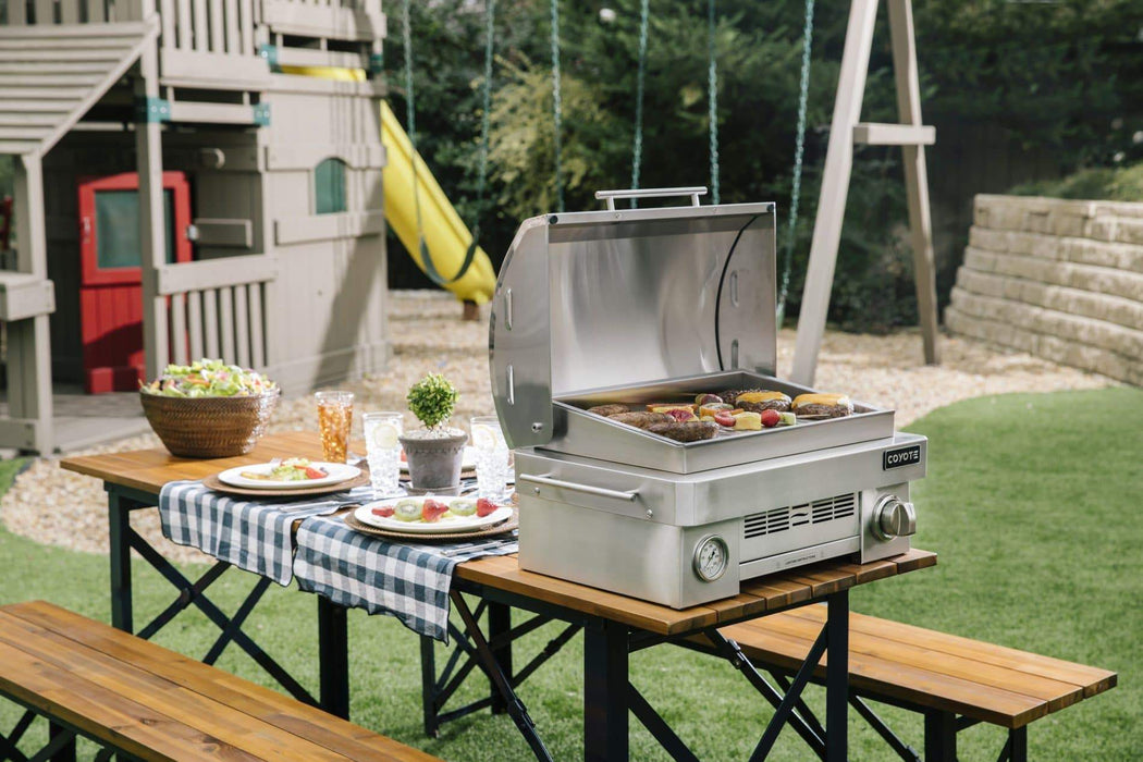 Coyote 25 Inch Portable Gas Grill