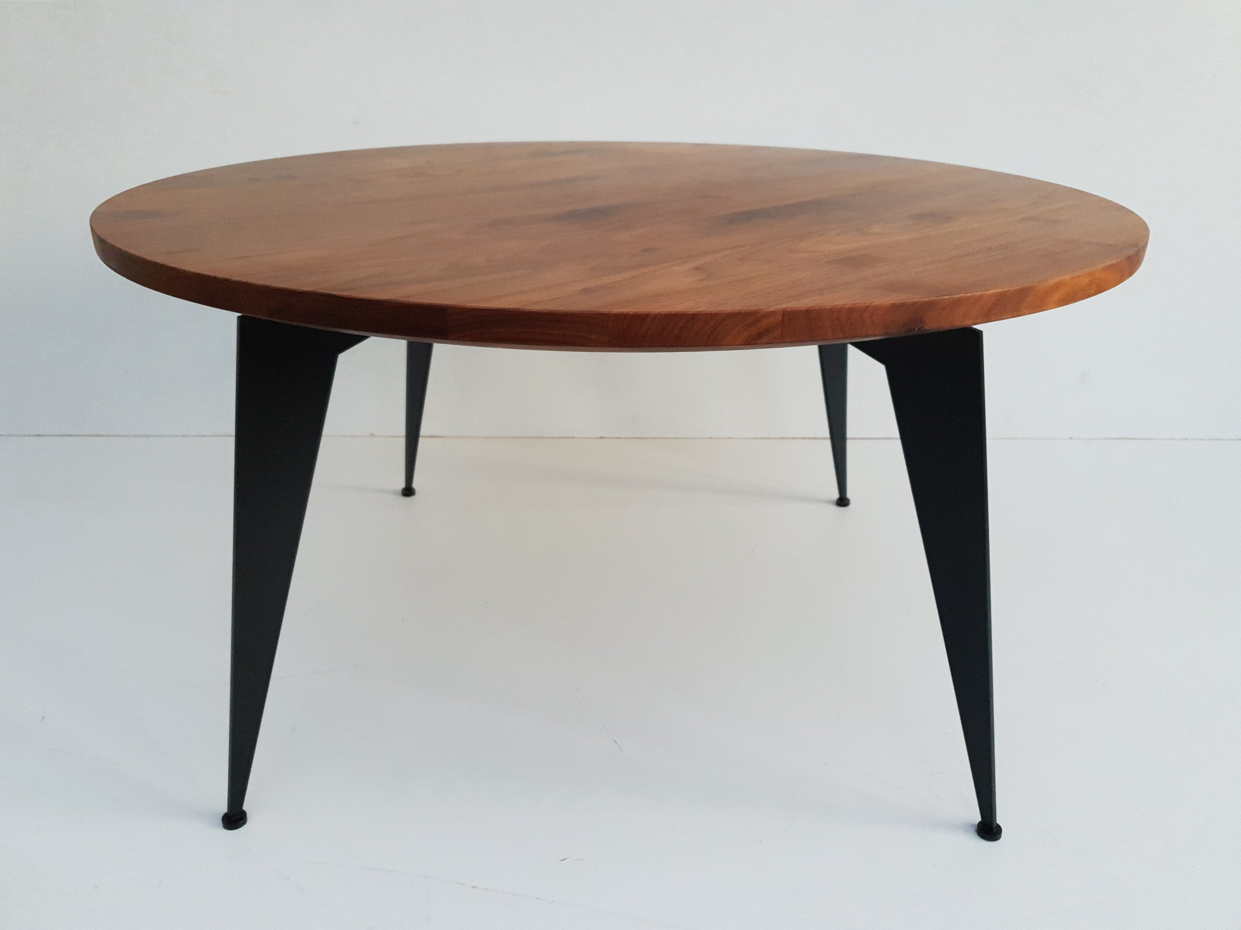 SKOVLUND - coffee table, walnut wood, Ø90cm