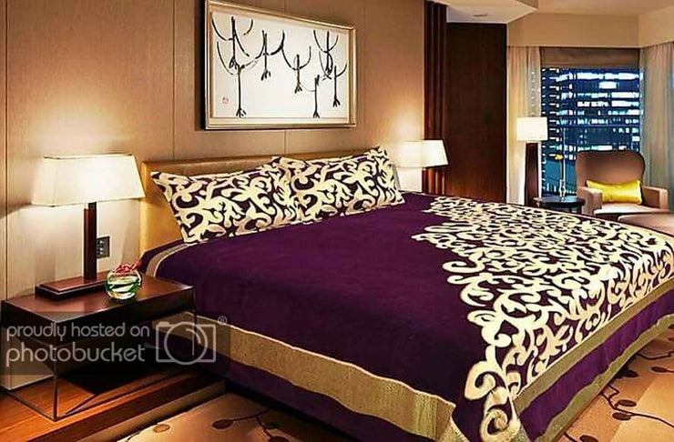 Bedsheet With 2 Pillowcovers Chenille Queen Size
