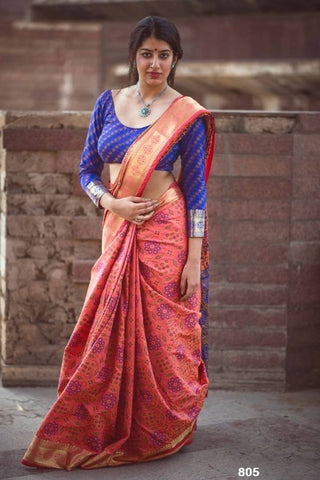 Stylish Banarasi Silk Weaving Patola Saree With Contrast Pallu And Contrast Brocade Blouse Piece