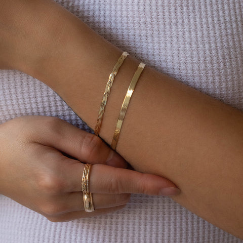 Herringbone Mother Bracelet | 10k Gold