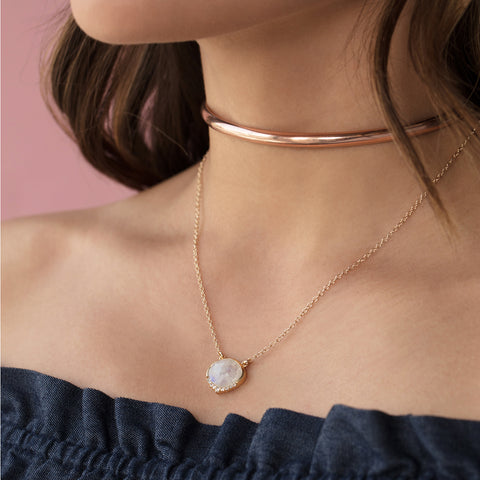 Syd gran choker, rosegold, layered necklaces, off the shoulder top, brown hair