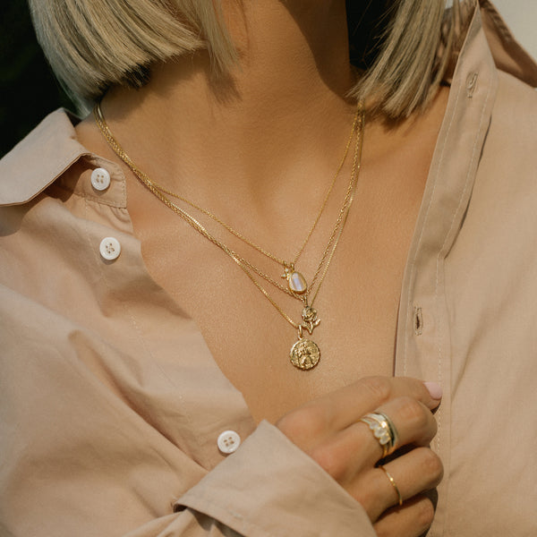 Leah Alexandra rose necklace gold