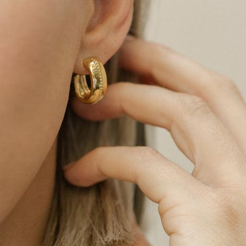 Leah Alexandra oval thick gold hoops