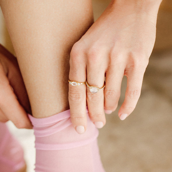 rose quartz oval cut gold ring