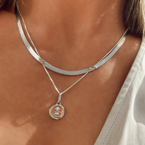 Love Token Necklace Round | Silver