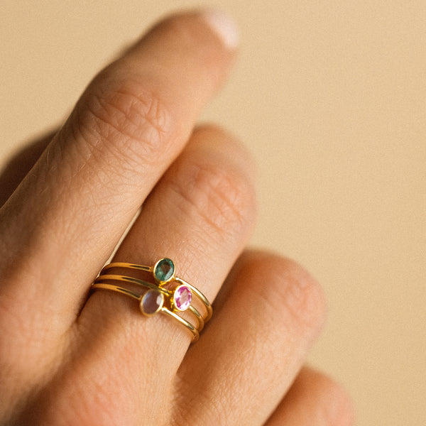 Petite Oval Ring | Emerald