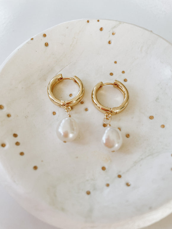 Belle Pearl Hoops