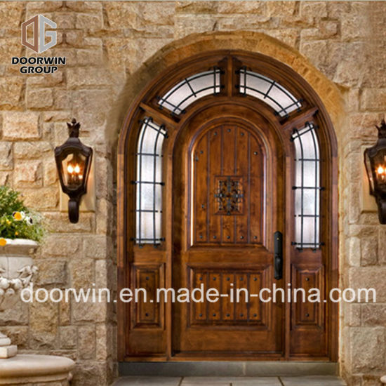 Church Gate Style Design Exterior Wood Front Doors with Top Carving Glass - China Church Gate Style Doors, Top Carving Glass Doors