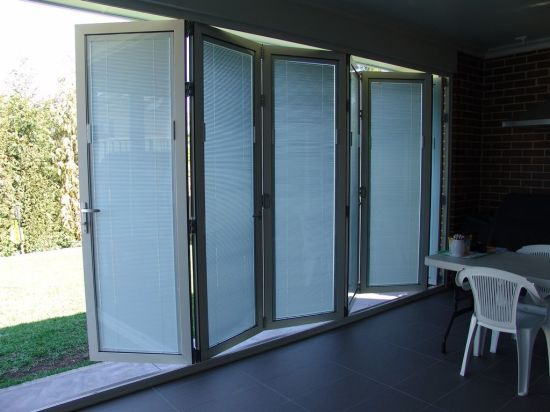 Thermal Break Aluminum Built-in Shutter Folding Doors - China bifold door, bifolding door
