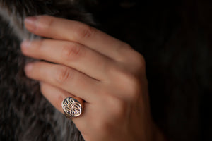 ENGRAVEABLE OVAL SIGNET RING