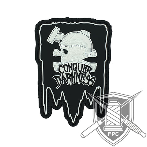 Conquer Darkness - PVC Patch - schwarz