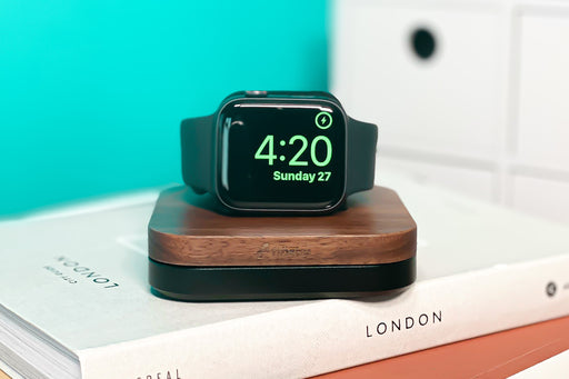 LAYLA DOCK FOR APPLE WATCH - JET BLACK & WALNUT