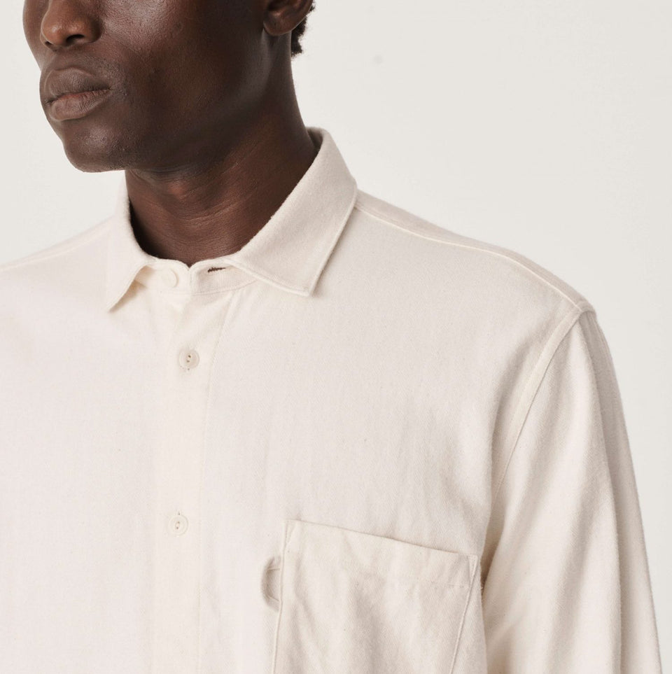 CURTIS ORGANIC COTTON HERRINGBONE SHIRT ECRU