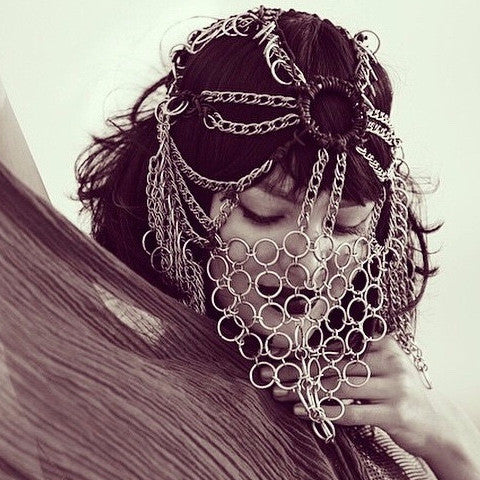 SILVER VEILED HEADDRESS