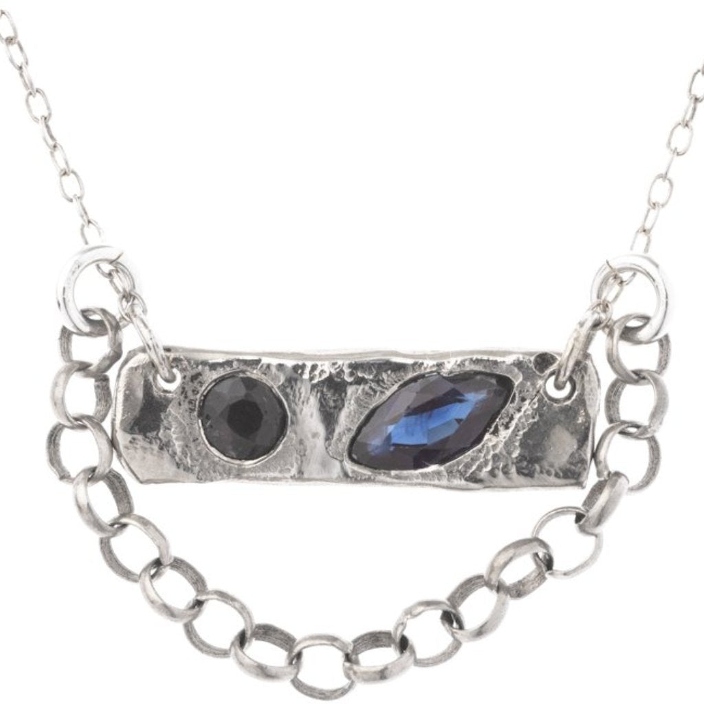 Winky Eyes Sapphire Necklace