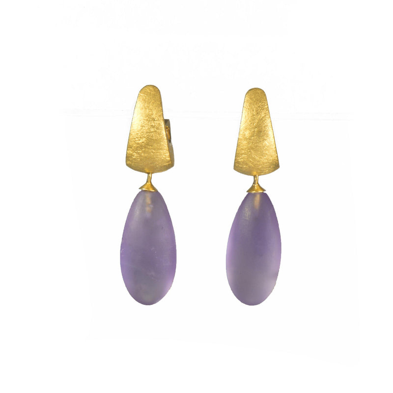 HUGGIE HOOP EARRINGS WITH MATT AMETHYST DROP 24K GOLD VERMEIL (C06-0410M)