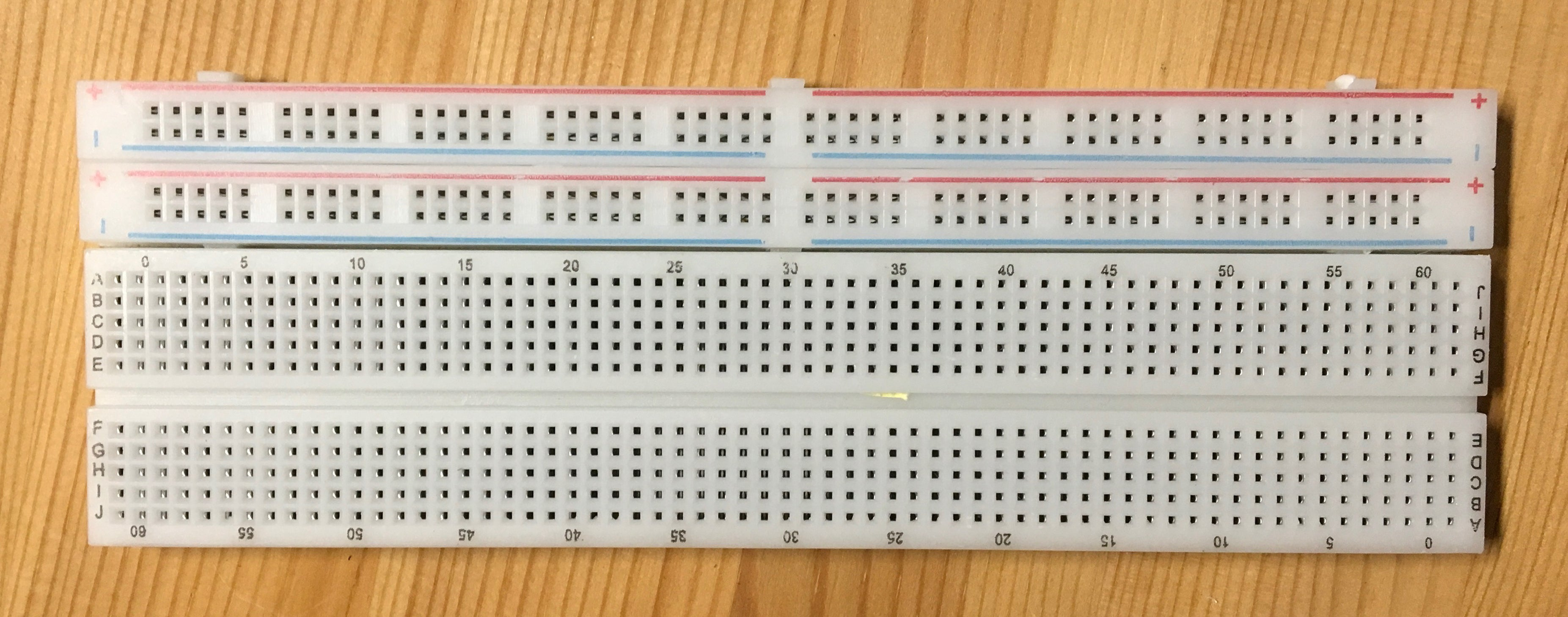 Reconfigurable / Extendable Solderless Breadboard, 830 Tie Points - Server On The Move