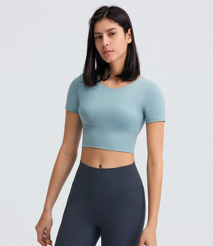 Astoria Seamless Sculpt Quarter-Sleeved Sports Crop - Light Blue