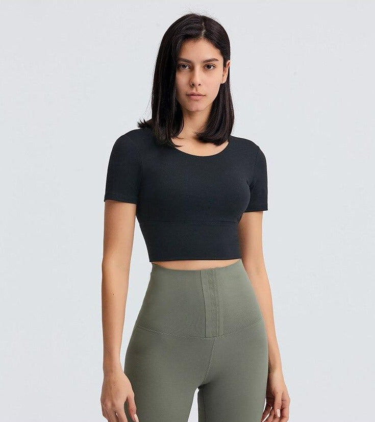 Astoria Seamless Sculpt Quarter-Sleeved Sports Crop - Black