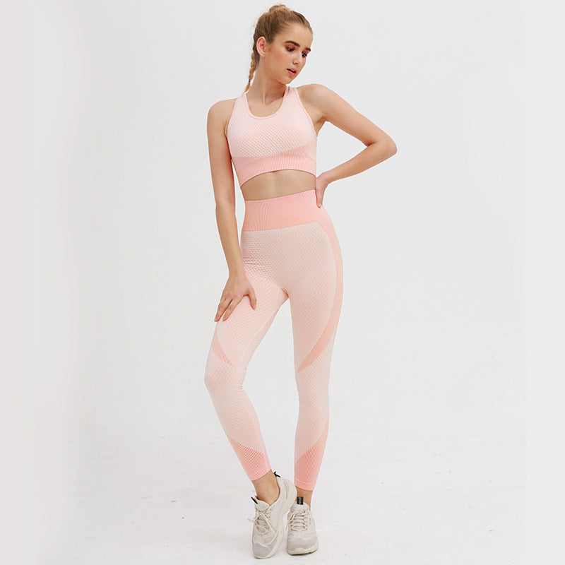 Astoria MOMENTUM Sports Crop - Peaches and Cream