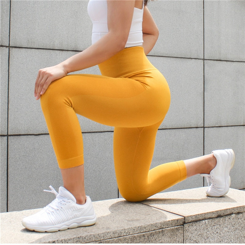 Astoria Seamless 3/4 Legging - Sunshine Yellow