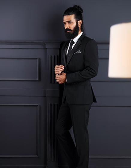 Attractive black suit for men