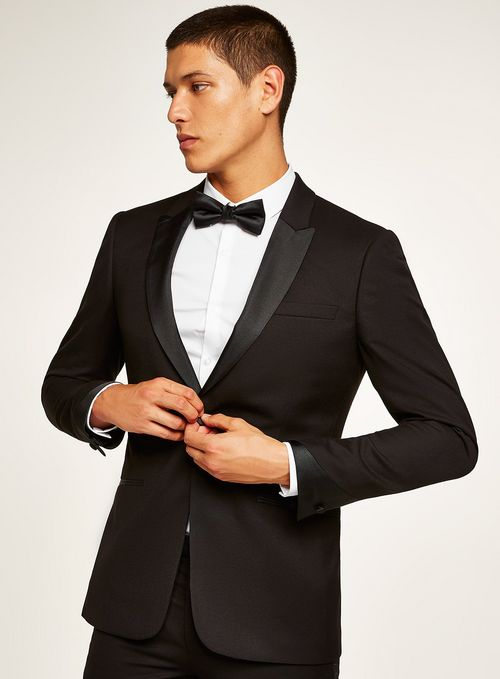 Good looking black suit for men