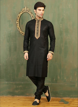 Ultrafashionable Black Sherwani For Men