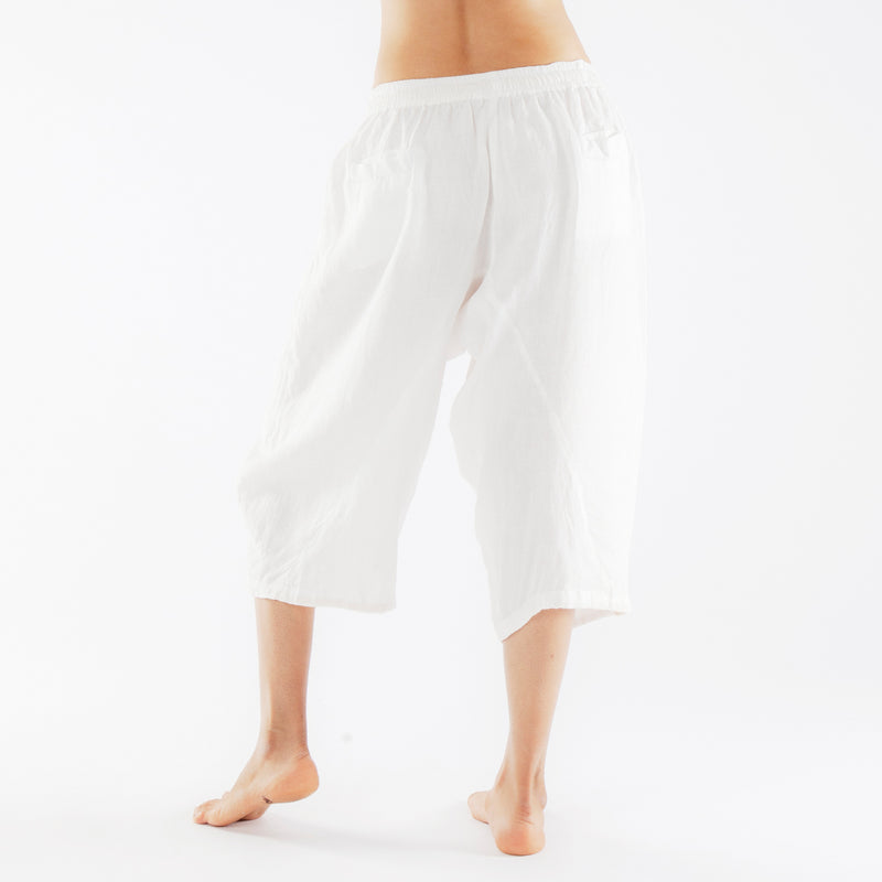 Moksha 3/4th Pants: White