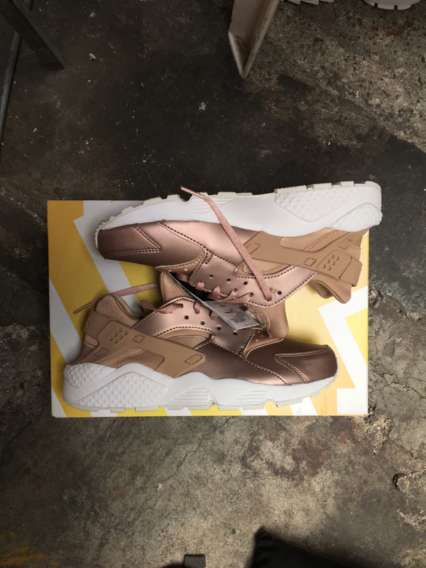 32a0604ce071 Size 8 W S Air Huarache Run SE