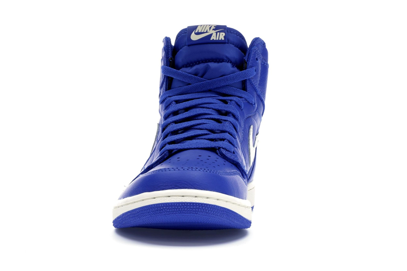 453eff202be Air Jordan 1 Retro High OG 'Hyper Royal' - Sneakest