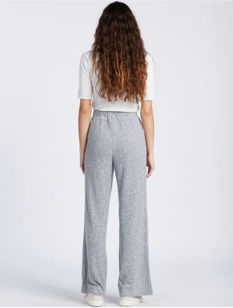 Billabong Loose Ends Lounge Pant in Athletic Grey