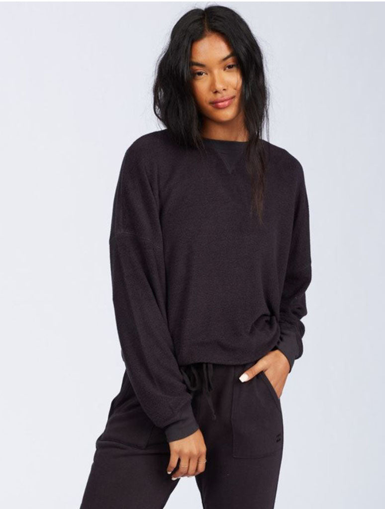 Billabong Stayin In Fleece Top in Off Black