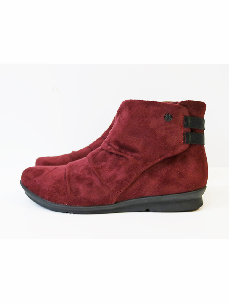 Bussola Cyra Stretch Boot in Merlot