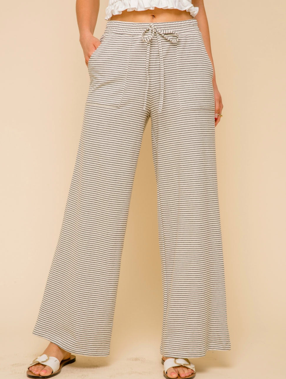 Hem & Thread Wide Leg Trouser in Cream/Charcoal