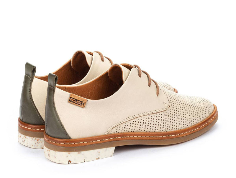Pikolinos Santander Perforated Oxford in Marfil