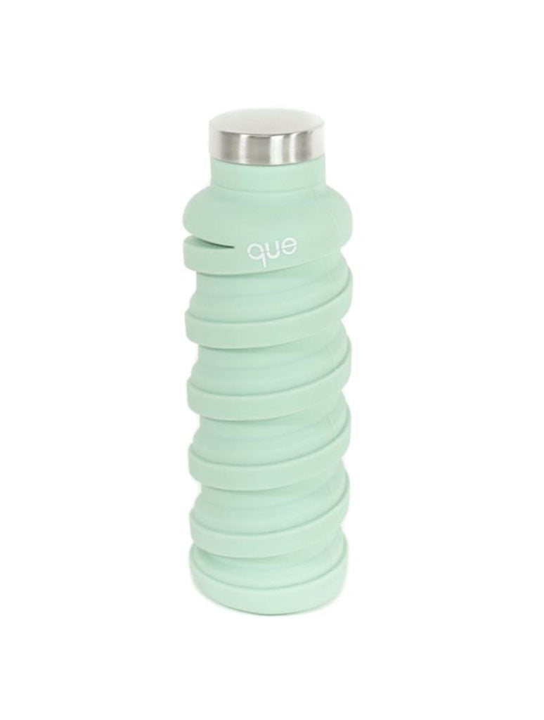 Que 20oz Collapsible Bottle in Dusty Sage