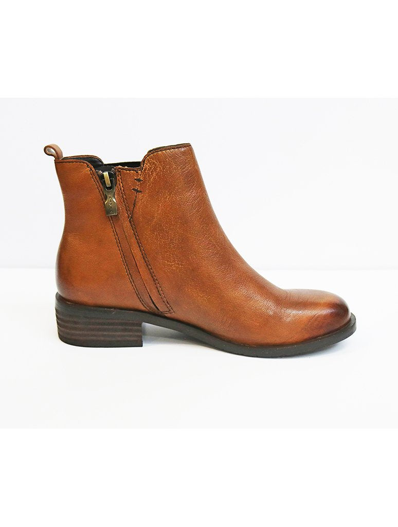 Salvia Rhonda Chelsea Boot in Cognac
